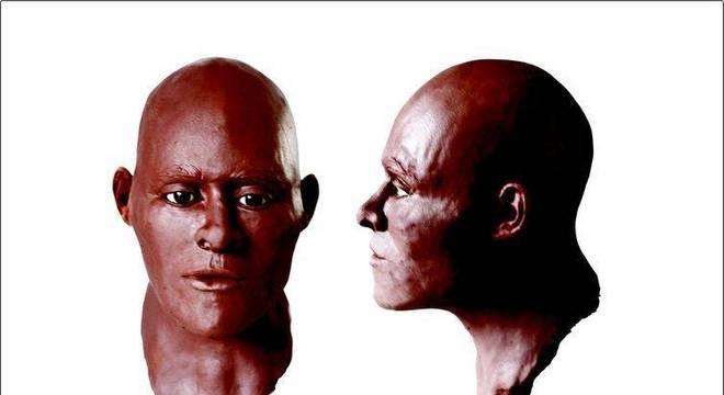 A primeira reconstrução do rosto de Luzia foi feita em 1990