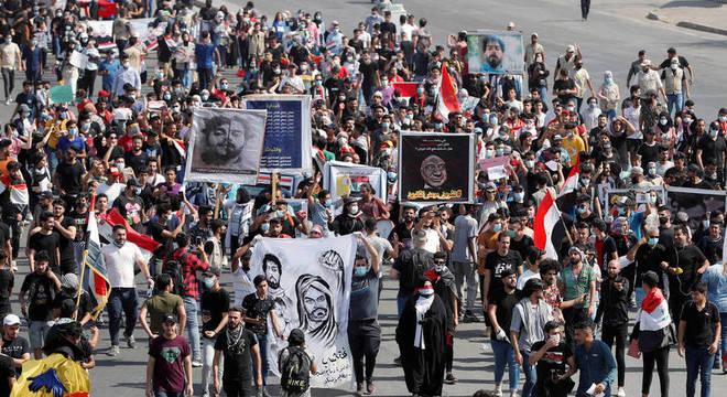 Manifestantes aproveitaram para lembrar as centenas de mártires de 2019