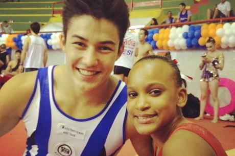 Nory e Rebeca Andrade já com o sorriso no rosto desde novo