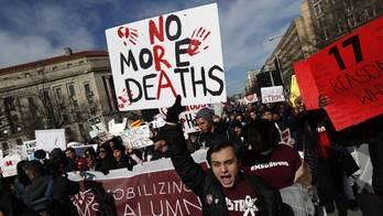 Estudantes saem às ruas nos EUA por maior controle de armas (Leah Millis/Reuters - 24.3.2018)