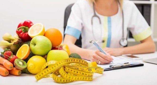 A diferença entre nutricionista, nutrólogo e endocrinologista