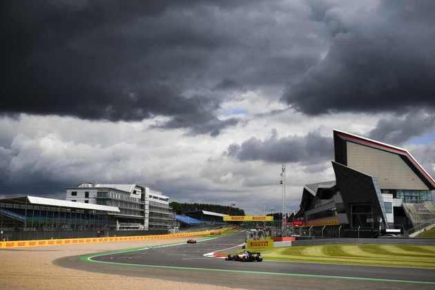Nuvens escuras ameaçaram a classificação em Silverstone