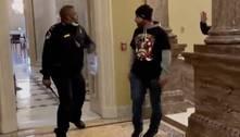 O policial chamado de 'herói' por ação durante invasão do Congresso dos EUA