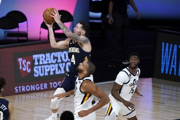 O ala-armador J.J. Redick (New Orleans Pelicans) anotou 21 pontos na derrota de sua equipe para o Utah Jazz por 106 a 104 na noite de quinta-feira. Redick acertou três cestas de três pontos na partida, ultrapassou LeBron James e agora é o 14° na lista de todos os tempos em arremessos de longa distância