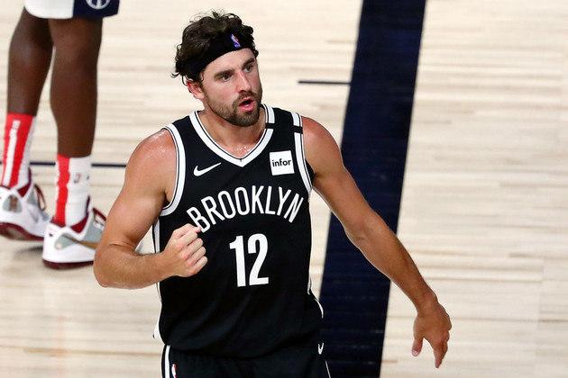 O ala Joe Harris (Brooklyn Nets) acertou seis das sete tentativas de três pontos para terminar o jogo contra o Washington Wizards com 27 pontos e sete rebotes. Harris havia anotado 14 pontos na derrota para o Orlando Magic, na última sexta-feira. Com a vitória, as chances da equipe classificar-se para os playoffs cresceram bastante