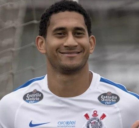 O ano de 2017 foi especial para o zagueiro, já que vestiu a camisa do Corinthians para ser peça-chave nos títulos paulista e brasileiro. Atualmente defende o Lokomotiv Moscou.