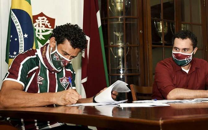 O anúncio da contratação foi feito no último domingo, antes da reprise do jogo do tetracampeonato brasileiro na Globo.