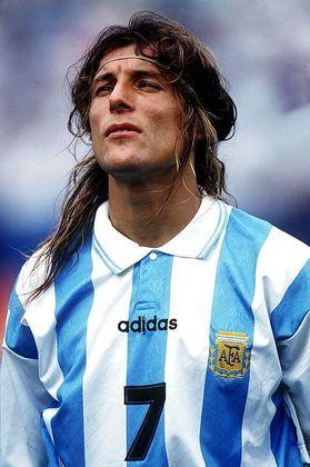 O argentino Claudio Caniggia se aposentou em 2004, quando jogava no Qatar. No entanto, em 2012 disputou dois jogos com o Wembley, da Inglaterra