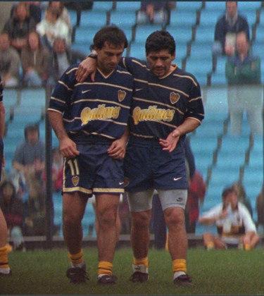 """O argentino Diego Latorre despontou para o futebol argentino em 1987, com a camisa do Boca Juniors, quando tinha apenas 17 anos. Tratado como """"Novo Maradona"""", chegou à seleção da Argentina e venceu a Copa América de 1991. No entanto, nunca mais teve momentos de destaque e passou longe de chegar aos pés do craque"""