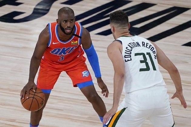O astro Chris Paul (Oklahoma City Thunder) foi, mais uma vez, um dos grandes nomes na vitória de sua equipe sobre o Utah Jazz, no sábado. Paul obteve 18 pontos, sete rebotes e sete assistências em cerca de 27 minutos de ação. O Thunder foi para o intervalo com 24 pontos de diferença sobre o time de Salt Lake City