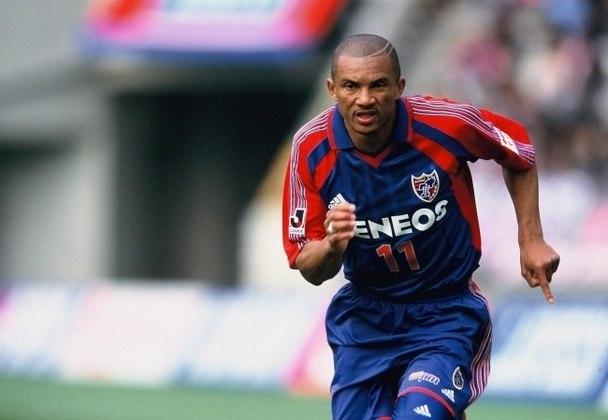 O atacante Amaral passou pelo Palmeiras em 1992, quando era reserva de Evair.  Foi para o FC Tokyo e disputou 12 temporadas pelo clube japonês, levando a equipe da divisão amadora até a primeira divisão japonesa. É conhecido como 'Rei de Tóquio'.