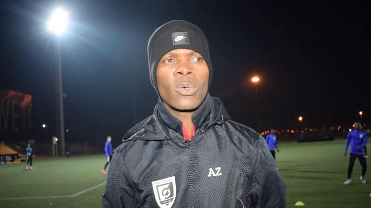 O atacante Arthur Zwane, daÁfrica do Sul, foi mais um africano a passar pelo Peixe, entre 1995 e 1996, onde foi companheiro de Nagoli