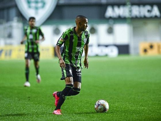 O atacante Auremir tem um novo contrato com o América-MG. Seu novo vínculo com o Coelho é válido até dezembro de 2021.