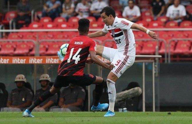 O atacante deu, ainda, três passes para gols. Além de duas assistências no Paulistão de 2021, contra o Botafogo-SP e a Inter de Limeira, Pablo deu o passe para o gol de Luciano no empate diante do Coritiba, por 1 a 1, no último Brasileirão