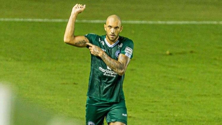 O atacante Fernandão também deixou o Esmeraldino após o fim do contrato