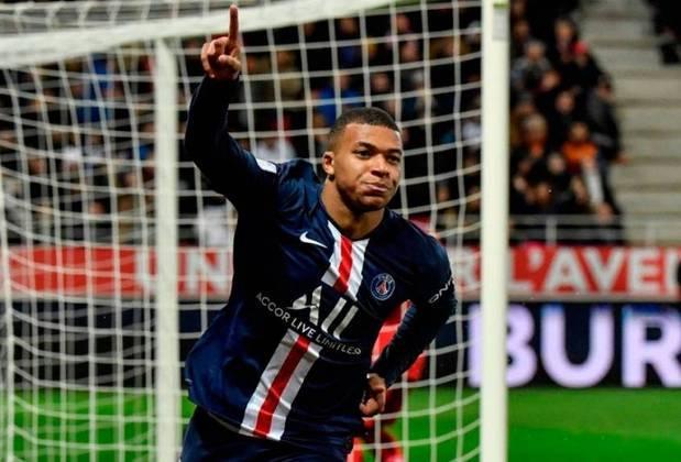 O atacante francês Kylian Mbappé é o jogador mais caro do mundo, segundo o estudo. O camisa sete do PSG vale 225 milhões de euros (cerca de 1,8 bilhão de reais). O seu valor não sofreu alterações