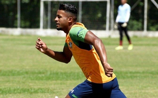 O atacante Jefferson está emprestado ao Estoril, de Portugal, até o final desta temporada. O clube português tem a opção de compra do jogador.
