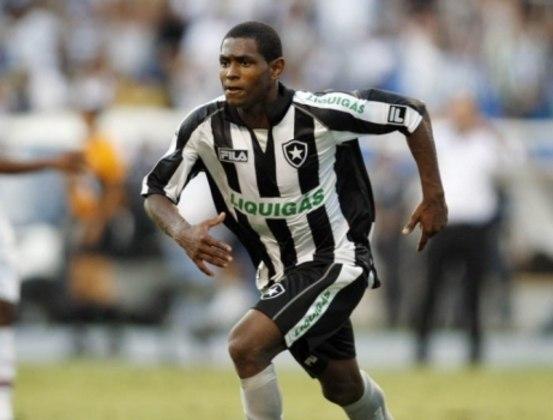O atacante Jobson é um dos principais casos recentes. O jogador do Botafogo foi pego duas vezes no exame antidoping em 2009, durante o Campeonato Brasileiro, e admitiu o uso de crack, levando dois anos de suspensões. Tentou retornar ao futebol, mas esteve em várias confusões, sendo acusado, inclusive, de estupro em 2016.