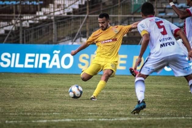 O atacante Maikon Leite, de 31 anos, está sem clube desde que deixou o Brasiliense, em novembro. Segundo o Transfermarkt, ele vale 675 mil euros (cerca de R$ 3,78 milhões)
