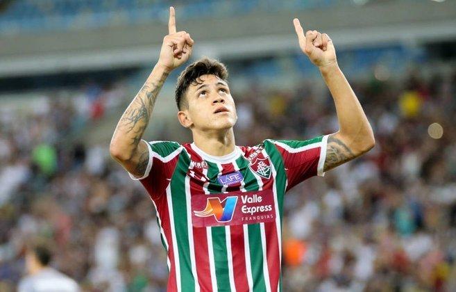 O atacante Pedro, hoje no Flamengo, entrou na justiça contra o Fluminense, seu antigo clube, cobrando uma dívida de mais de R$ 2,2 milhões do Tricolor das Laranjeiras.