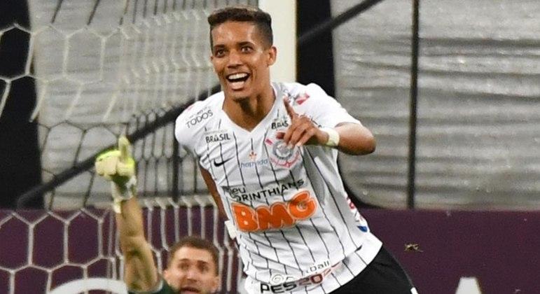 O atacante teve bons momentos no clube e é uma das principais revelações da base do Timão nos últimos anos. Hoje está no Benfica.