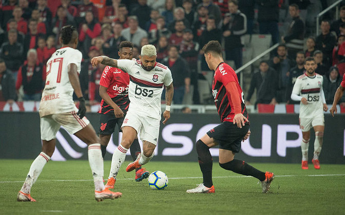 O Athletico é outro time que já tomou quatro gols de Gabriel Barbosa pelo Flamengo.