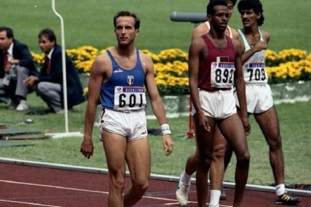 O atleta italiano Donato Sabia, residente da região de Potenza, no sul da Itália, morreu aos 56 anos por complicações causadas pelo novo coronavírus. Ele chegou a duas finais olímpicas dos 800m e seu pai também faleceu vítima da doença.