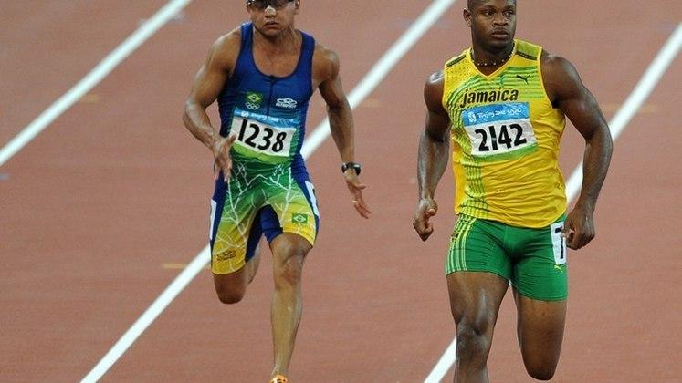 O atletismo brasileiro subiu quatro vezes ao pódio olímpico na prestigiosa prova do revezamento dos 4x100 metros rasos. A equipe masculina foi medalha de bronze em Atlanta (EUA) 1996 e Pequim (CHI) 2008. e obteve a prata em Sydney (AUS) 2000. Já o feminino ficou com o terceiro lugar na edição da capital chinesa