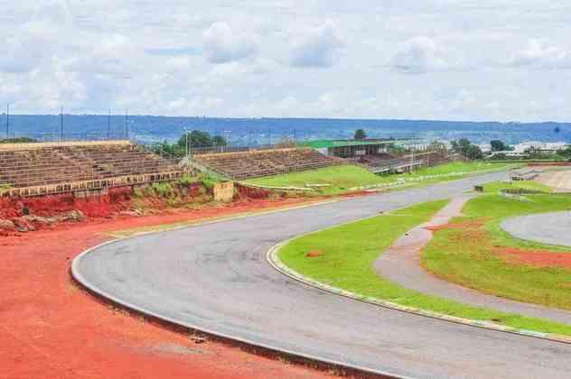 O autódromo de Brasília está abandonado desde 2014, quando reformas visando uma corrida corridas da Indy e da MotoGP deveriam ter começado