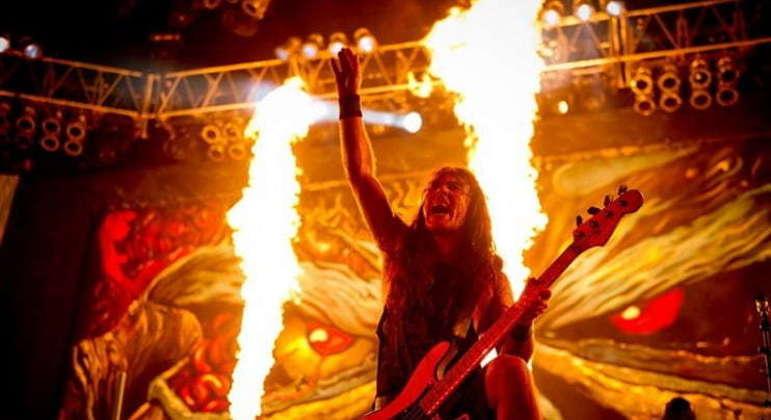 O baixista Steve Harris decidiu criar sua própria banda após ter suas composições musicais negadas enquanto estava em outros grupos. A escolha pelo nome