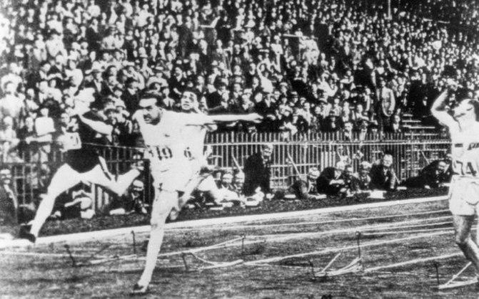 O Barão de Coubertin defendia o esporte amador e adotou o lema