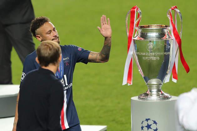 O Bayern conquistou o hexacampeonato da Liga dos Campeões neste domingo, ao vencer o PSG, por 1 a 0, em Lisboa, Portugal. O LANCE! separou algumas belas imagens registradas durante e após a decisão da principal competição europeia. Confira a seguir:
