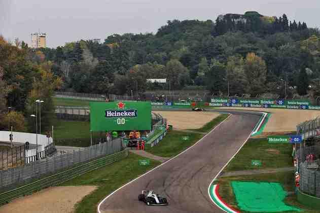 O belo e vazio circuito de Ímola voltou à Fórmula 1 após 14 anos