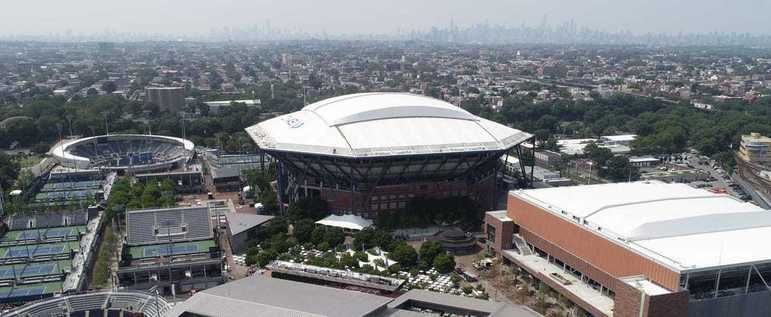 O Billie Jean King National Tennis Center, que recebe o US Open, também foi mobilizado para o combate ao novo coronavírus. Localizado no bairro de Queen's, um dos mais afetados de Nova York, o hospital terá capacidade para 350 leitos.