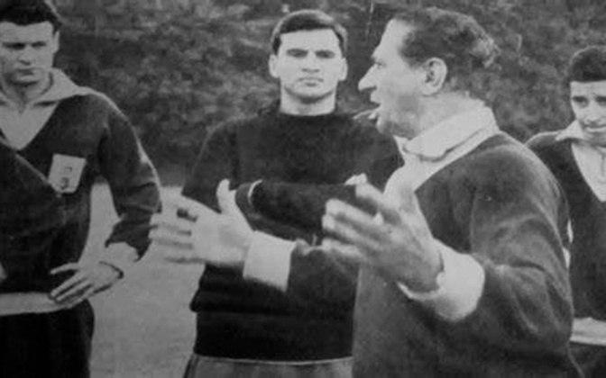 O Botafogo, que está negociando a contratação do argentino Ramón Diaz, não tem um estrangeiro como treinador desde 1947, quando o uruguaio Ondino Viera (foto) deixou o clube.