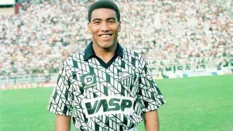 O Bragantino já teve um uniforme que saia dos padrões e o desenho exposto na camisa acabava chamando a atenção de quem a visse, principalmente por conta da ilusão de ótica presente