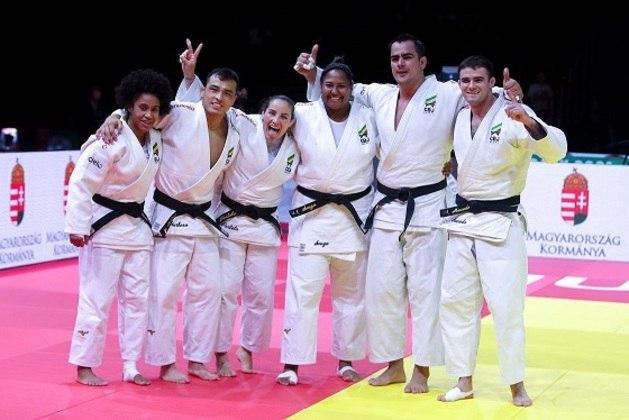 O Brasil chegará forte na disputa por equipes mistas do judô, que será realizada pela primeira vez em uma edição de Jogos Olímpicos. O país conquistou o bronze no Mundial deste ano, com Beatriz Souza (+70kg), Maria Portela (70kg), David Moura (+90kg) e Ketelyn Nascimento (57kg)