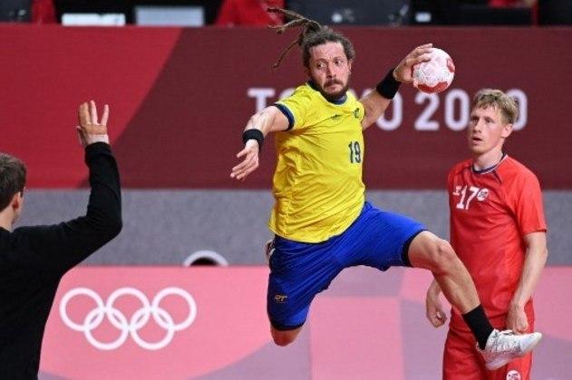 O Brasil foi derrotado pela Noruega por 27 a 24 na estreia do handebol masculino. A Seleção Brasileira foi para o intervalo na frente, mas sentiu a diferença física no segundo tempo e sofreu a virada.