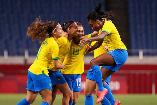 O Brasil se classificou às quartas de final do futebol feminino. A Seleção Brasileira venceu a Zâmbia por 1 a 0, com gol de Andressa Alves, e garantiu vaga na próxima fase. O próximo adversário será o Canadá.
