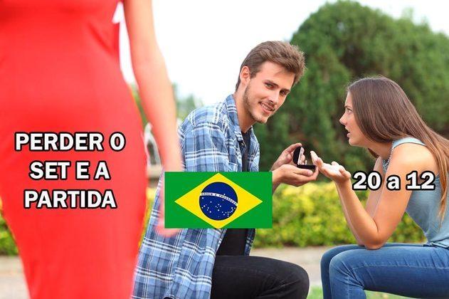 O Brasil vencia o Comitê Olímpico Russo por 20 a 12 no terceiro set, mas acabou cedendo a derrota no set e no jogo. Fato criou trauma com