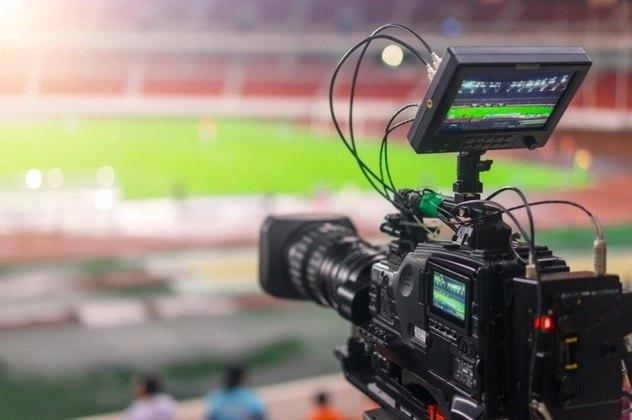 O Brasileirão 2019 teve jogos em TV aberta na Globo e PPV pelo canal Premiere. Já a transmissão em TV fechada ficou dividida entre SporTV, do Grupo Globo, e TNT, canal do grupo Turner. O detalhamento de cada conta pode ser encontrado no Blog do Allan Simon. A seguir, veja os números consolidados para cada clube. Os dados incluem bonificação pela posição atingida no Brasileiro.