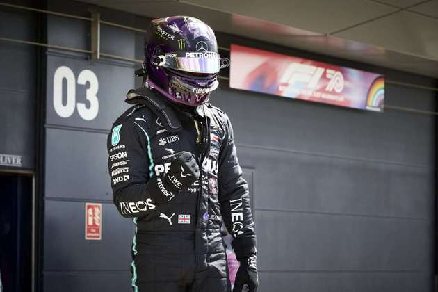 O britânico fez 1min24s303 na última tentativa para assegurar o primeiro posto no grid