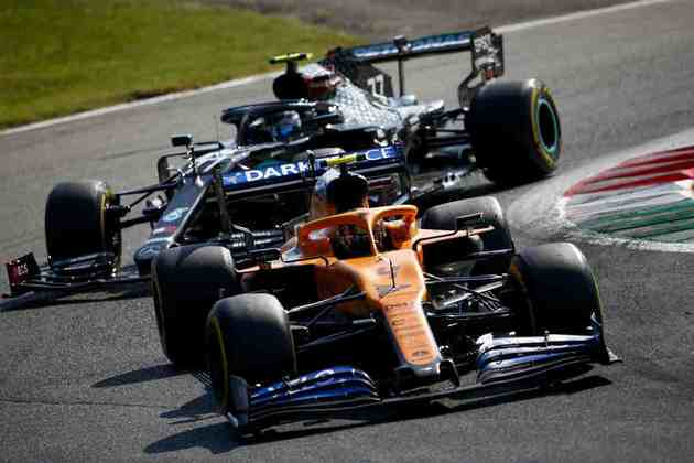 O britânico segurou os ataques de Valtteri Bottas nas voltas finais da prova em Monza