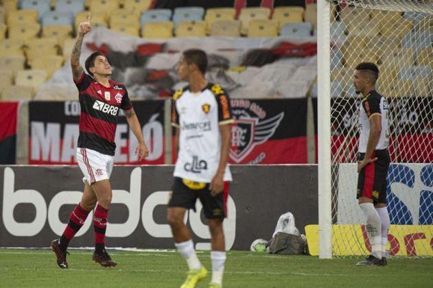 O camisa 21 marcou nove gols na competição e é o principal artilheiro do Flamengo no Brasileiro.