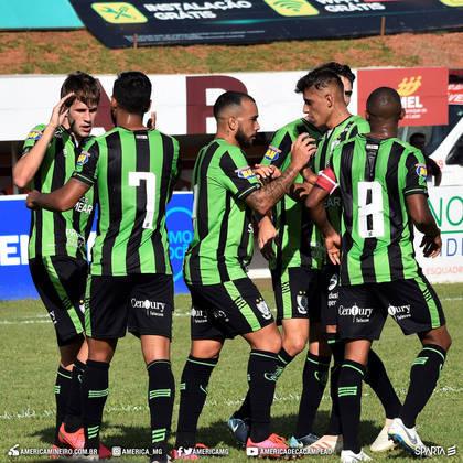 O Campeonato Mineiro 2020 está suspenso por tempo indeterminado também. No momento, o América-MG é o líder, com Atlético-MG em terceiro e Cruzeiro em quinto lugar