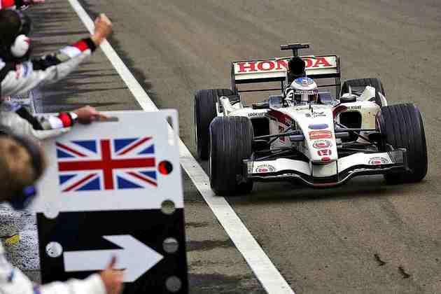O caótico GP da Hungria de 2006 viu uma excelente prova de recuperação de Jenson Button na pista molhada. Foi a primeira vitória da fabricante japonesa após o retorno, em 2000