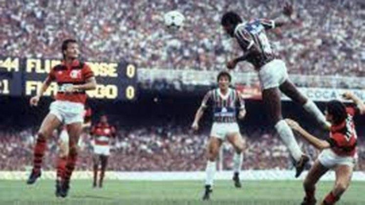 O carrasco Assis entraria em ação novamente no Carioca de 1984, quando decidiu mais um Fla-Flu a favor do Tricolor. A vitória por 1 a 0 deu o bicampeonato ao Fluminense