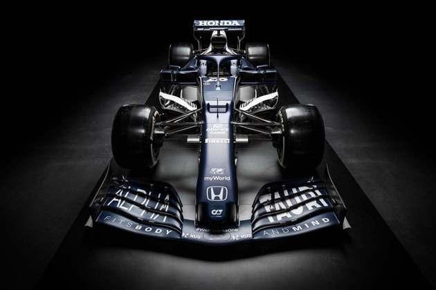 O carro possui nova pintura, com mais azul e apenas alguns detalhes em branco