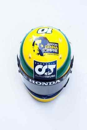 O casco também carrega o logo