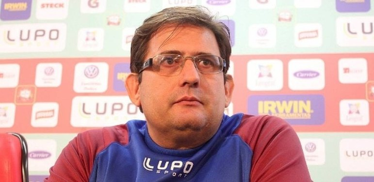O Ceará manteve Argel Fucks como técnico para 2020, porém o treinador caiu em fevereiro e Enderson Moreira veio para substitui-lo. Entretanto, a sua passagem não durou muito e Guto Ferreira foi contratado pelo Vozão.